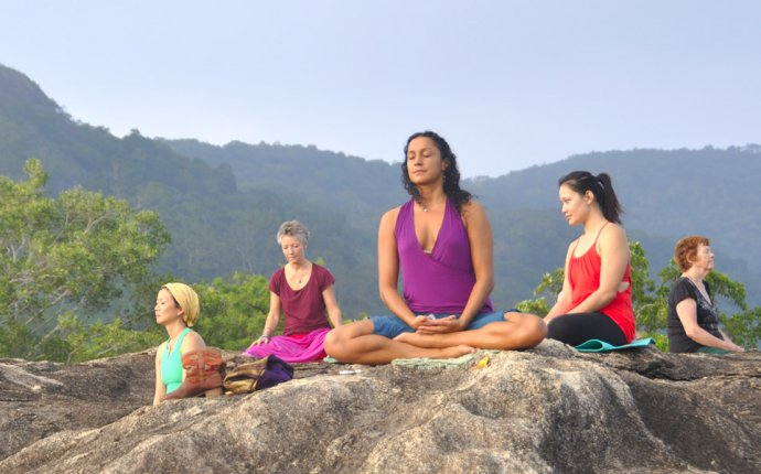 Ayurveda, Meditation and Yoga in Sri Lanka – Ceylon Island Travel