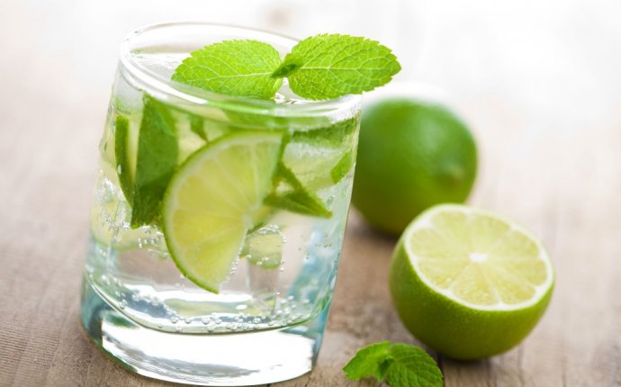 Ayurvedic Remedy for Digestion and Weight Loss - Lime Water