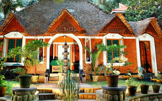 Dr.Franklin Panchakarma in Kerala | Best Ayurveda Hospital in Kerala