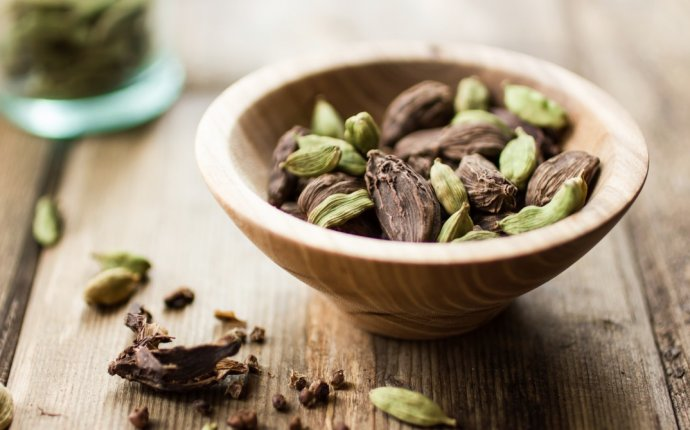 Healthy Ayurveda | Health Benefits Of Cardamom
