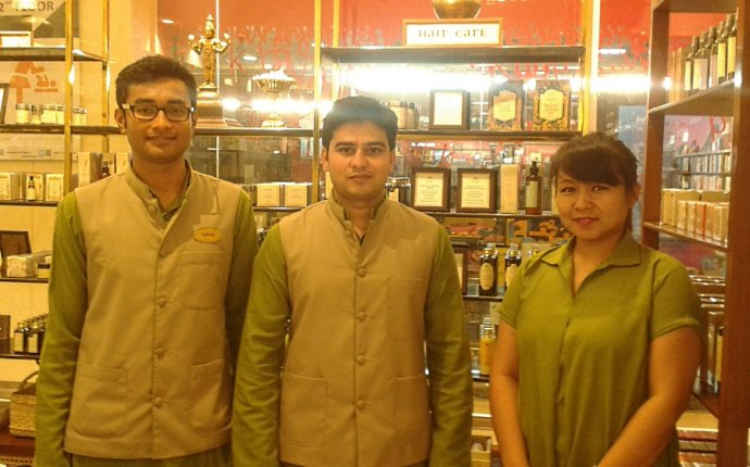 KAMA AYURVEDA opens a store IN BANGALORE ! - Moonshine And
