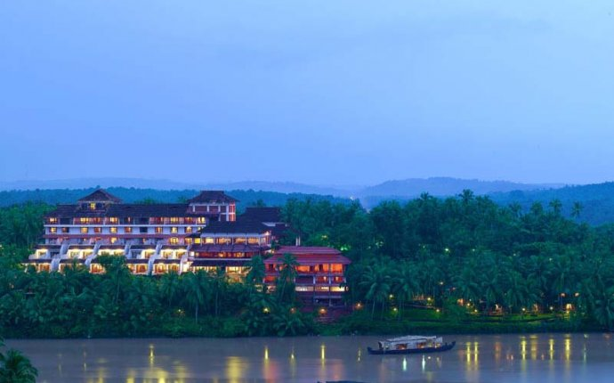 Kerala Health Tourism, Kerala Ayurveda, Kadavu Ayurveda Resort