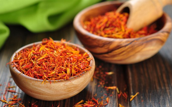 Saffron Benefits: Ayurveda s Golden Spice
