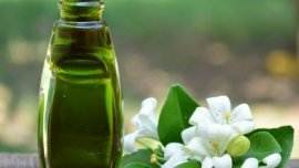 6 Benefits of Bhringraj Oil: An Ancient Ayurvedic Treatment For Your Hair